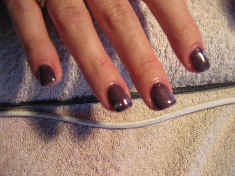 ongles en gel rouge bordeaux. Black Bedroom Furniture Sets. Home Design Ideas